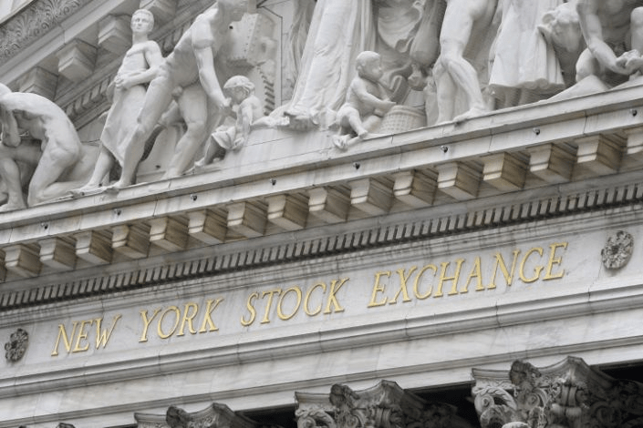S&P 500 tops 4,000 for the first time to start April, tech shares lead gains
