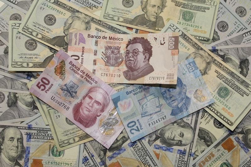 Mexican Peso To Fluctuate Widely In July
