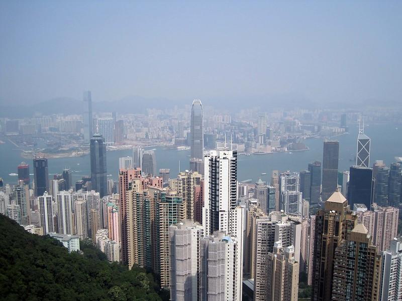 hong kong shares tumble