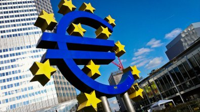 EU bond yields hover near record lows on recession fears