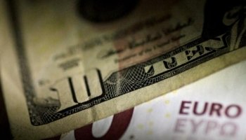 Dollar about to show steepest weekly decline since February