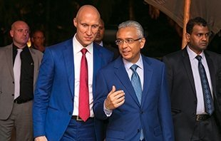 Andrey Dashin and the Prime Minister of Mauritius P. Jugnauth