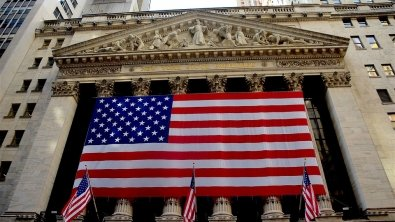 Wall Street's weather fast-changing, U.S. retail sales rise