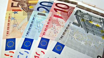 Euro Steady vs Dollar Punched by Trade Taxes and Poor Data