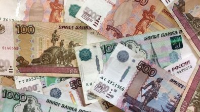 Russian ruble steady on oil prices jump