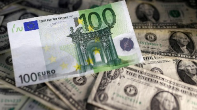 Euro Holds Gains, Dollar Soft After ECB Expands Stimulus