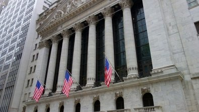 Wall St. rises modestly despite strong producer price data