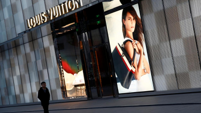 New Tariffs Threat Drags European Stocks Down; LVMH Declines