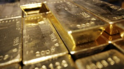 Gold Market Zeroes In on Curve Control After Futures Surge