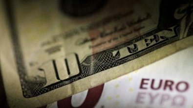 Dollar stable at 1 1/2-week peak, U.S. price data in focus