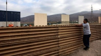 Trump will seek $3 bln for U.S.-Mexico wall construction
