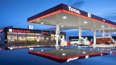 Total to buy Engie's LNG business for $1.5 bln