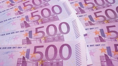 Euro tumbles to two-week low versus the dollar