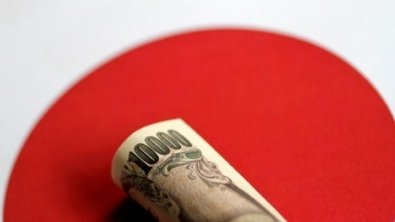 Yen firms though support for safe haven dollar persists