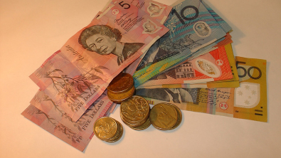 Rising Trade Agreement Hopes Slightly Lift Dollar, Aussie