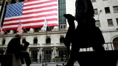 Bonuses for Wall Street workers jump by 17%