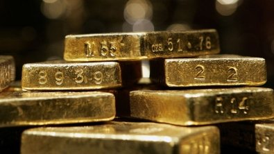 Gold prices fluctuate, despite stable dollar