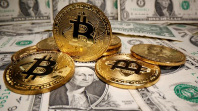 Dollar Struggles at One-Week Lows as Bitcoin Scales $48,000