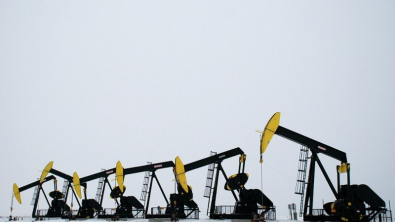 Oil Prices Rise But May Face Weekly Drop Due to Trade Fears